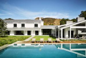 landscape design ideas for pool areas